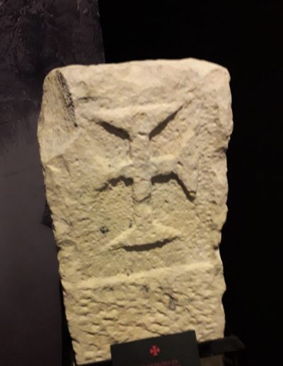 Kameni templarski križ, XII.-XIII.st.