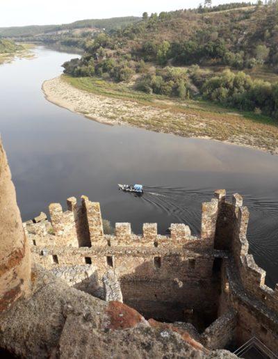 Pogled s kule utvrde na rijeku Tejo (Težo)