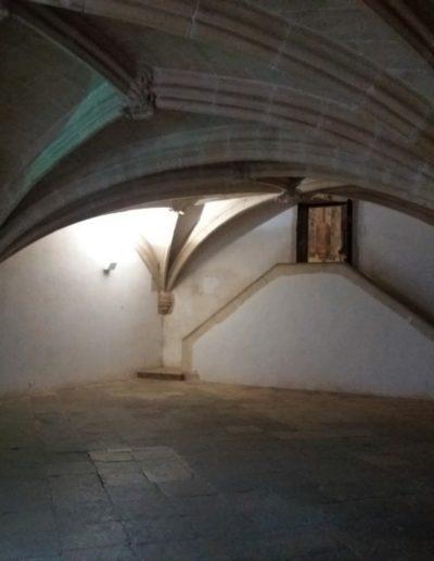 Povišeno mjesto u dvorani s kojeg je templarski Meštar vodio obred inicijacije
